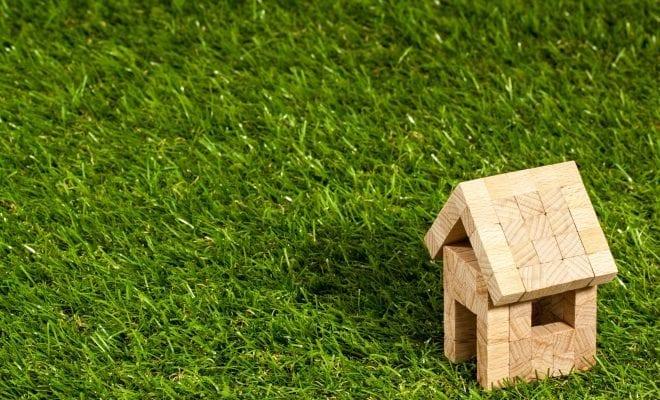 house-near-green-space